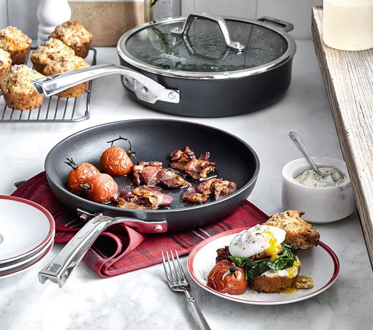 calphalon-cookware3-3618047