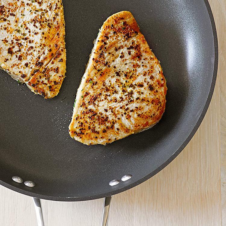 calphalon-cookware-to-pan-fried-chicken-3513336