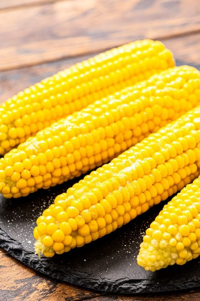 boiled-corn-on-the-cob