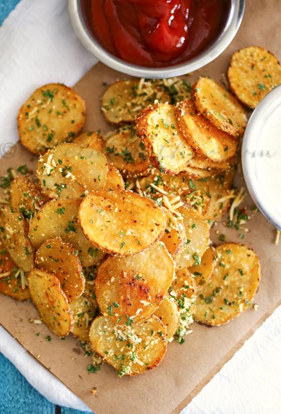 parmesan-garlic-roasted-potatoes