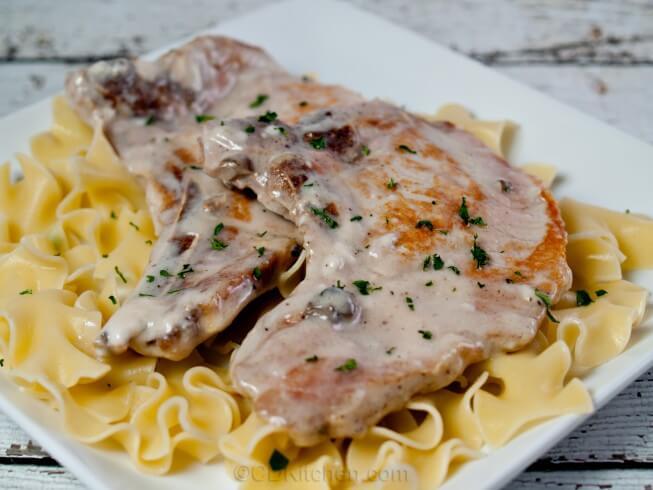 slow-cooker-pork-chops-in-cream-of-mushroom-soup