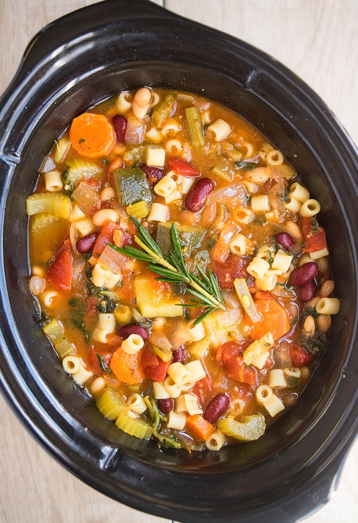 slow-cooker-minestrone-soup